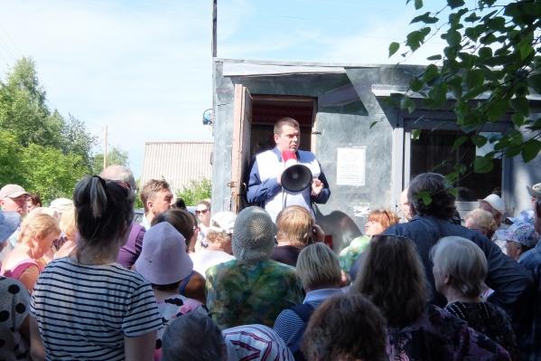 Участники «Союз садоводов» не поддерживают проведение митинга, но сами регулярно встречаются с дачниками для их информирования