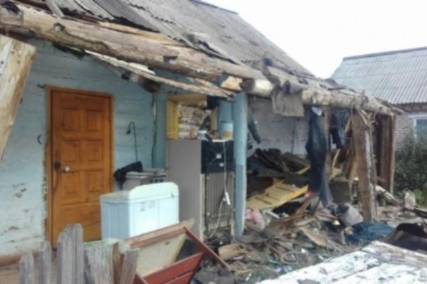 Дом восстановлению не подлежит, дети в больнице