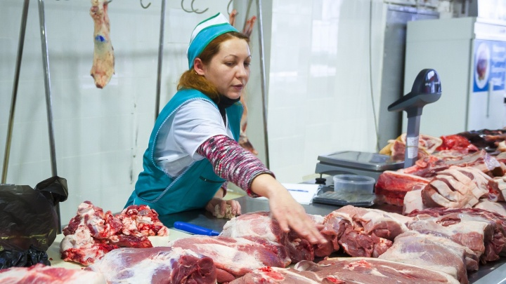 В Зауралье с начала года снято с реализациипочти 500 килограмм мяса и мясной продукции
