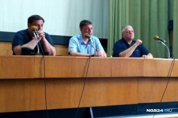 Игорь Манченко (на фото слева) — правая рука бывшего главы дептранса Дмитрия Петрова