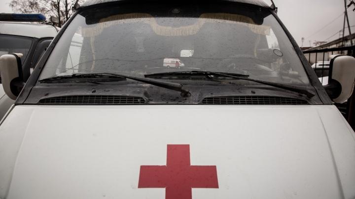 Скорая помощь попала в аварию на дороге у горбольницы