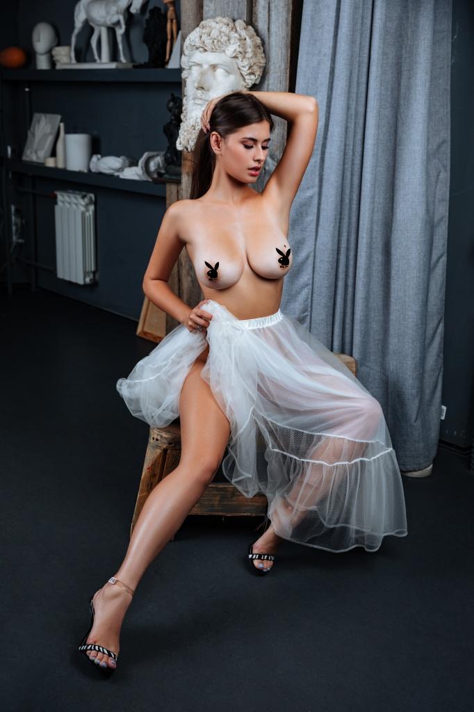 Сексуальная блондинка из Екатеринбурга возглавила топ красотокPlayboy. Горячие фото