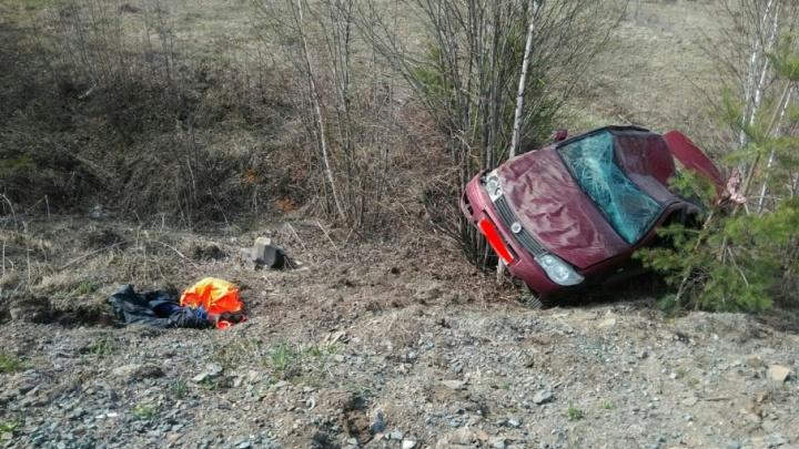 На трассе в Башкирии перевернулась легковушка: пострадала женщина-водитель