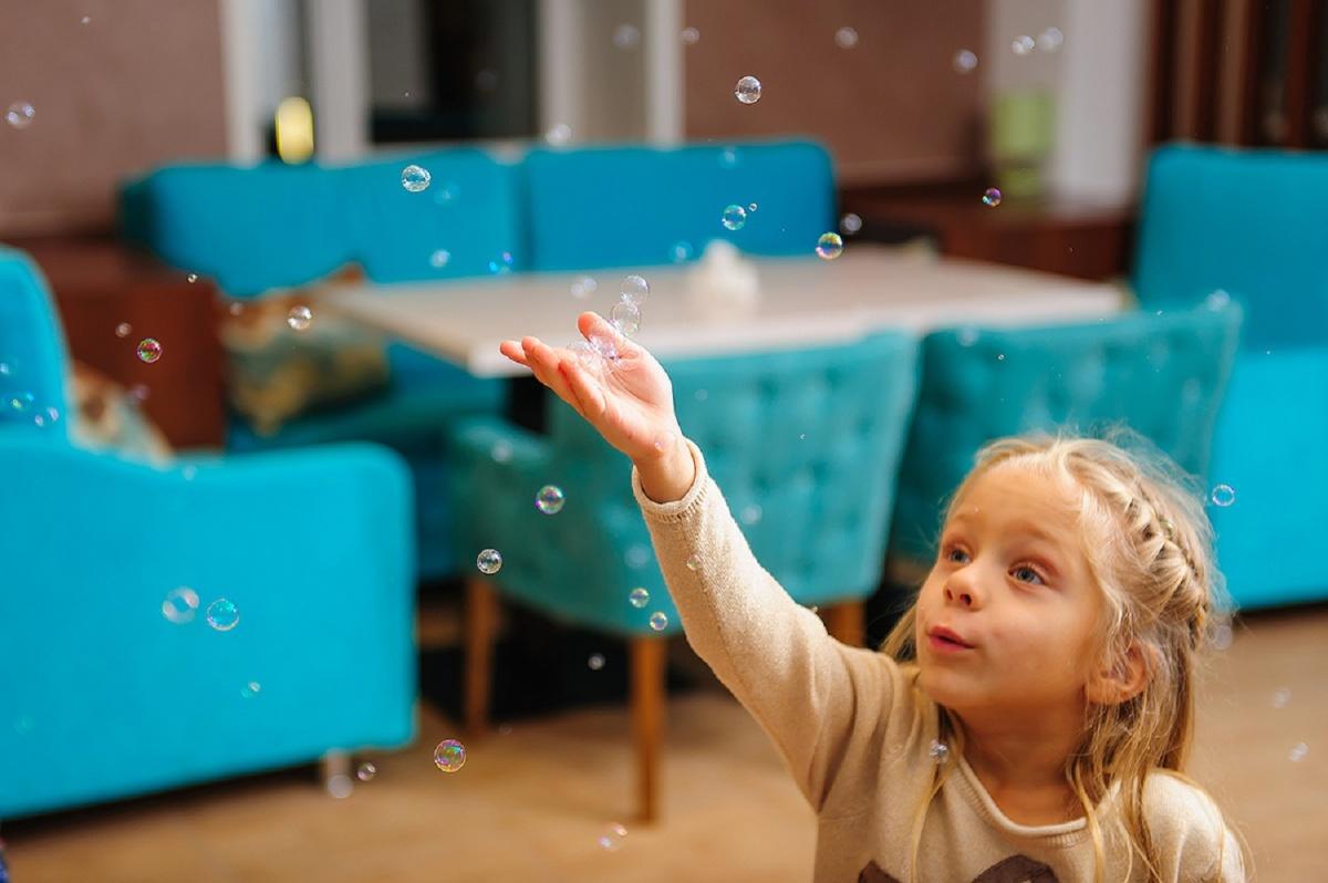 День защиты детей: на празднике разыграют сертификаты в санаторий, аквапарк и дельфинарий