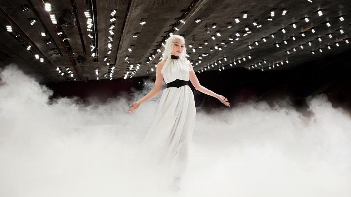 «Дейнерис — женщина горячая»: мать драконов из «Игры престолов» проверилачелябинский лёд