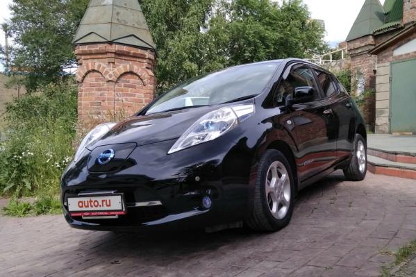 Nissan Leaf 2012 года продается за 555 000 рублей