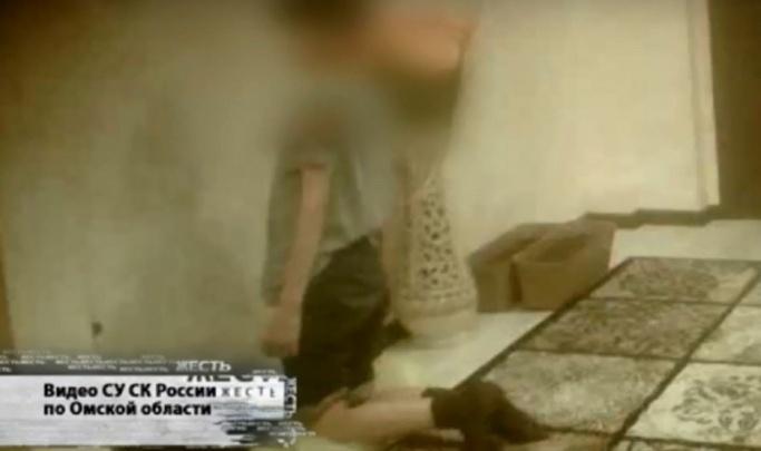 Мальчик, которого ставили коленями на гречку, надеялся, что его заберут в «нормальную» семью