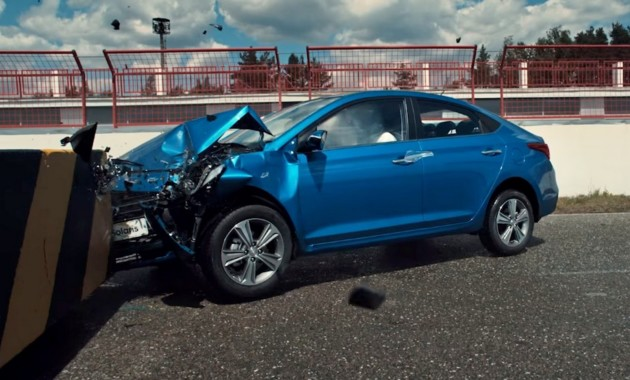 Hyundai разбила Solaris в краш-тесте вместе с человеком