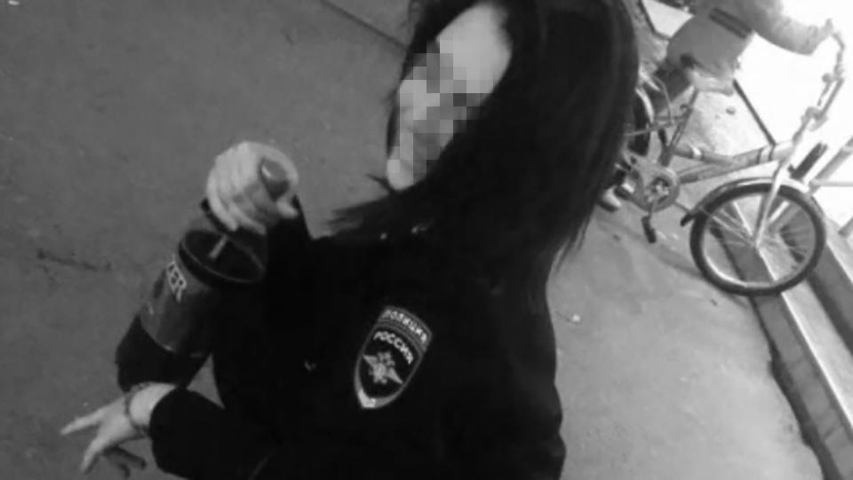 По словам знакомых девушки, она не отличается примерным поведением и периодически злоупотребляла спиртным