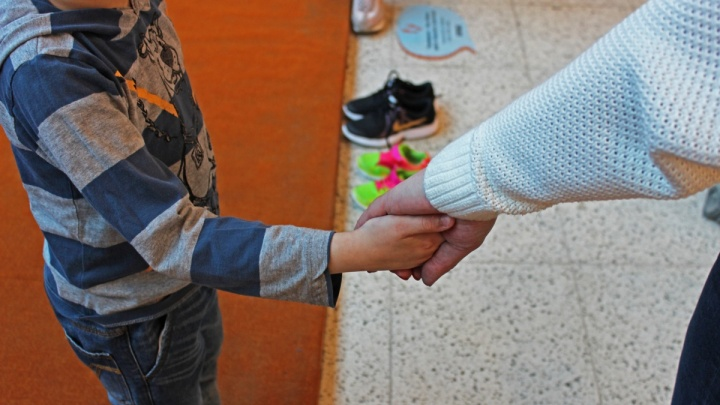 СК завел уголовное дело на человека, который разболтал информацию о ВИЧ у 7-летнего мальчика