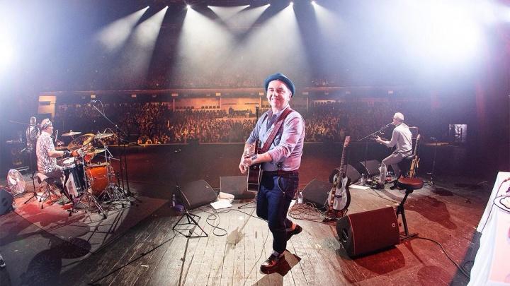 «Вернулись верные подруги»: гитары группы «Чайф» все-таки долетели до Екатеринбурга