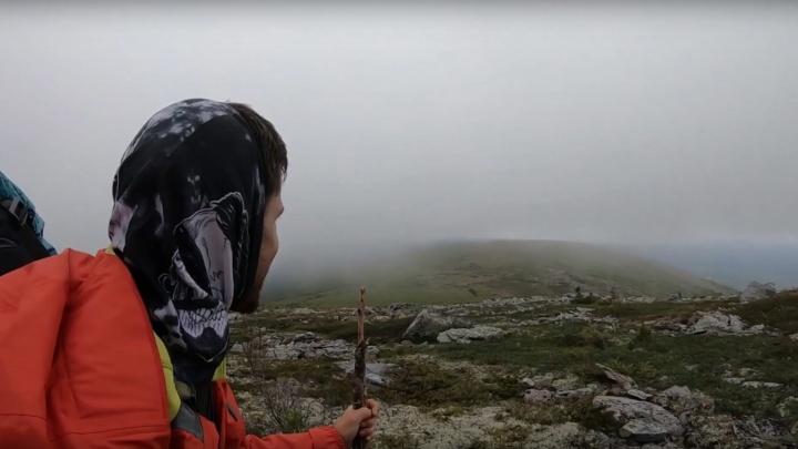 «Чувствую себя хоббитом!»: автомеханик покорил высшую точку Прикамья — Тулымский камень