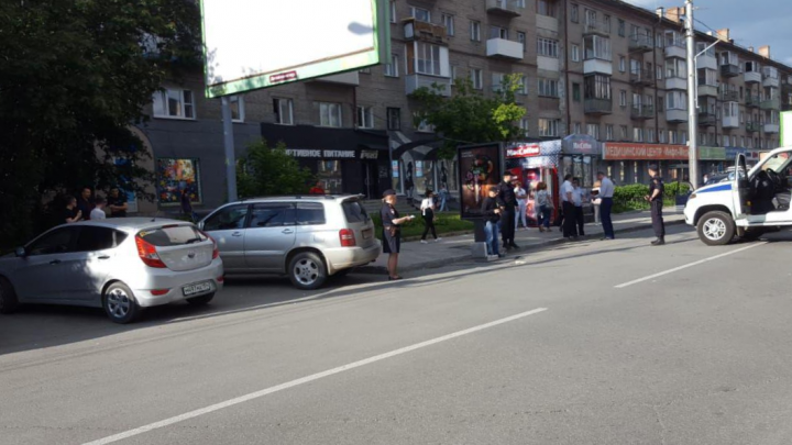 В центр Новосибирска приехала полиция: очевидцы сообщили, что слышали выстрелы