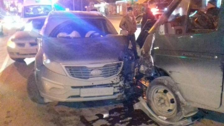 В Челябинске пьяный газелист устроил массовое ДТП