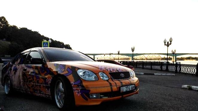 «Эта машина уникальна»: в Ярославле у пилота спорткара угнали автомобиль