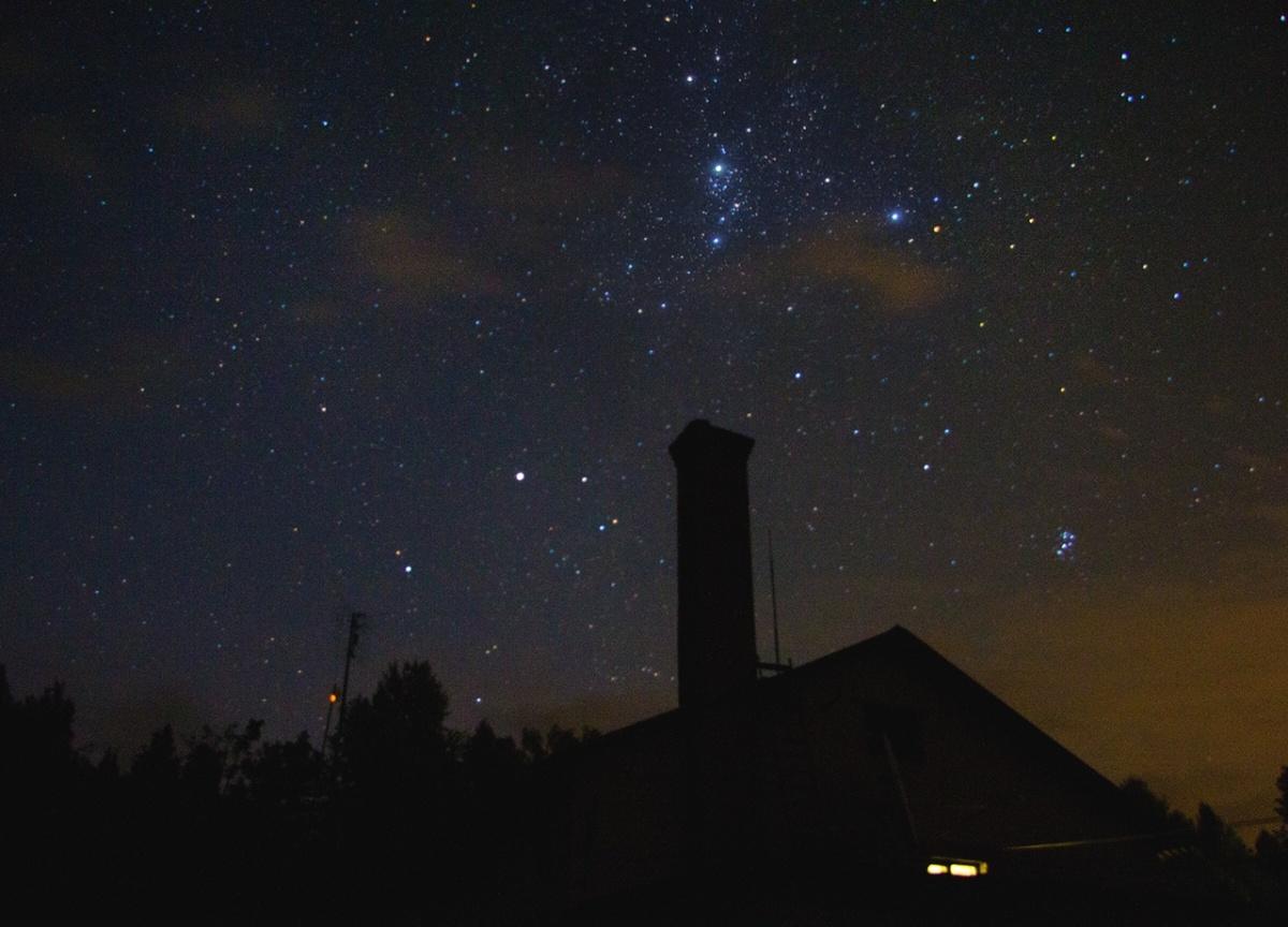 Созвездие Персея над Коуровской астрономической обсерваторией. Фото сделала Анастасия Тимофеева
