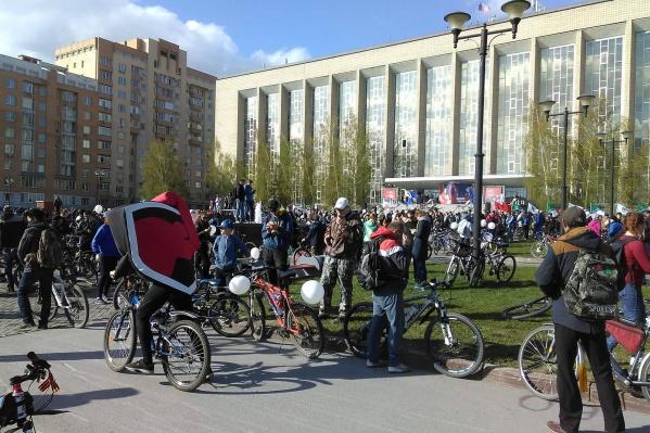 В Новосибирске стартовал традиционный велопробег «Километры Победы»