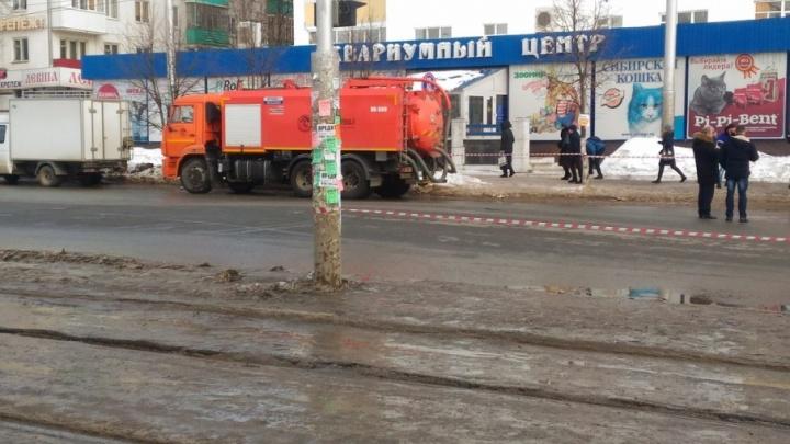 «Утечка устранена»: в Уфе возобновили движение на улице Зорге