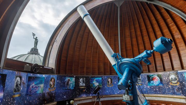 65 лет рядом со звездами: экскурсия по Волгоградскому планетарию в его день рождения