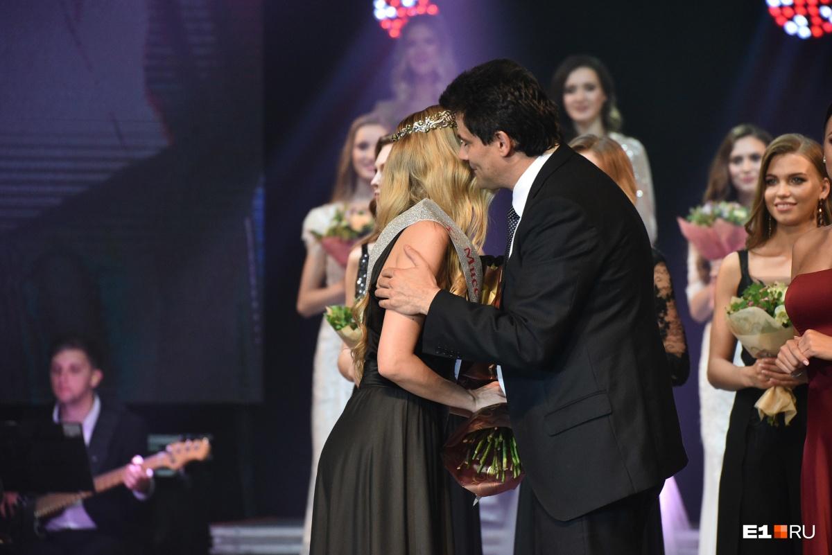 Мэр поздравил победительницу