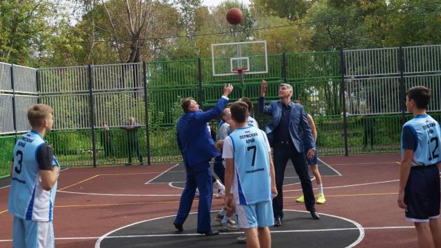 В микрорайоне Владимирском открыли новую спортивную площадку