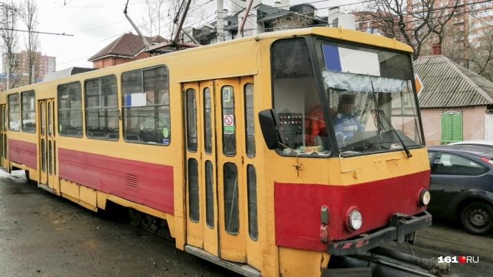 В Новочеркасске после затянувшегося ремонта пустили первый трамвай