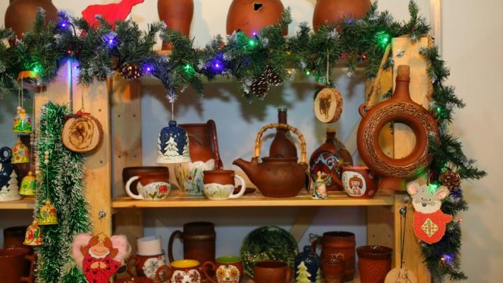 Тысячи вариантов подарков предложат красноярцам на рождественской ярмарке в МВДЦ «Сибирь»