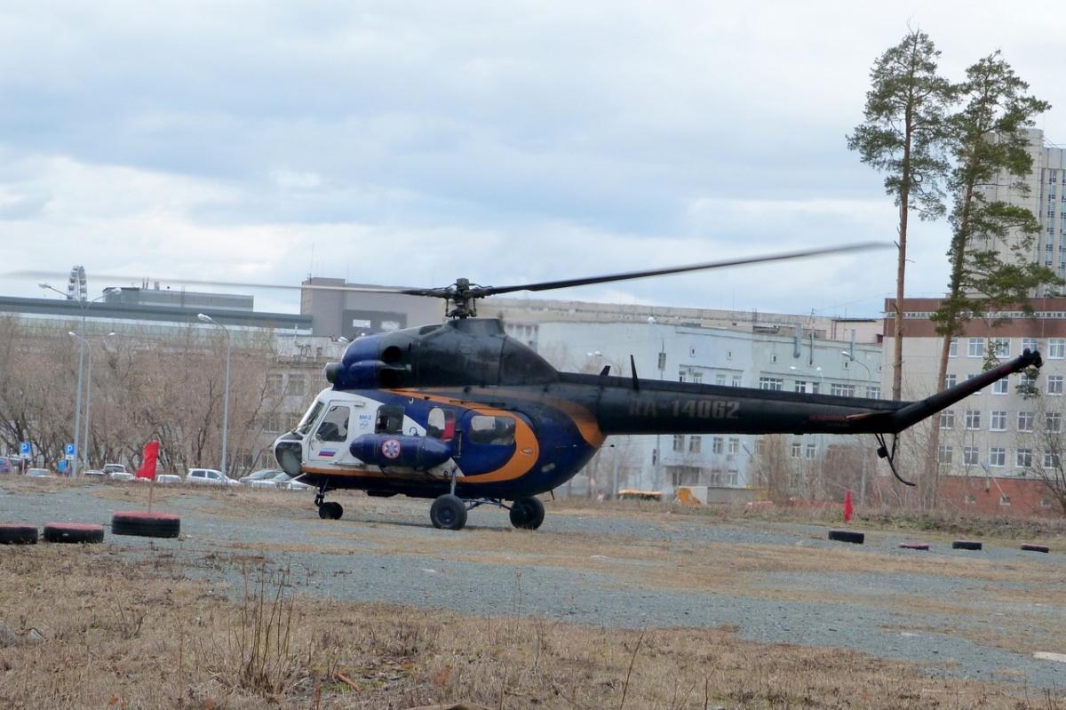 А уже через 20 минут подоспел Ми-2, на котором из Камышлова доставили тяжелого пациента