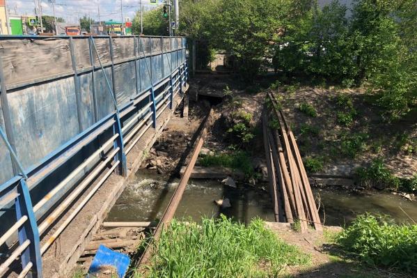 Сейчас мост находится в таком состоянии