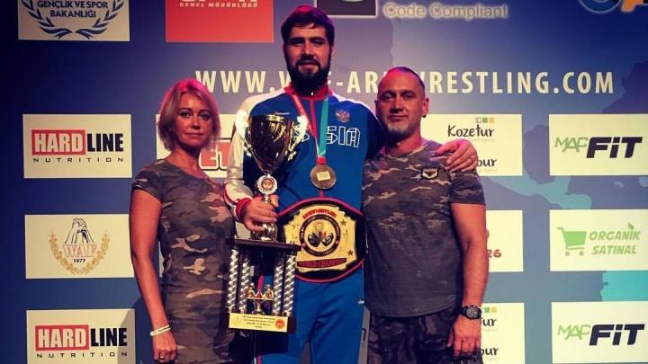 Спортсмен из Красноярска стал 7-кратным чемпионом мира по армрестлингу. Видео побед