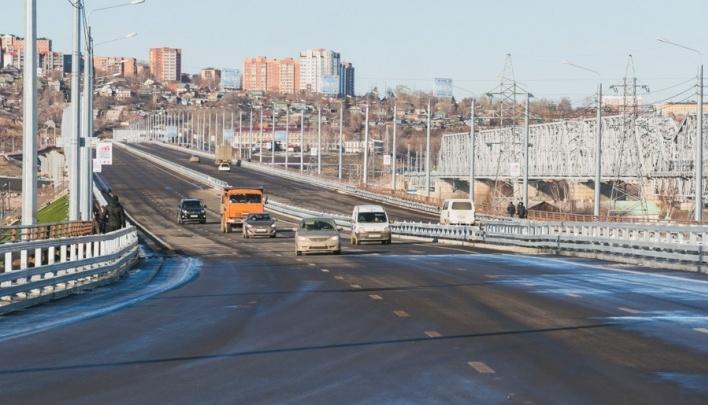 Жители Студгородка возмущены, что мусор от снесенных домов закапывают у них под окнами
