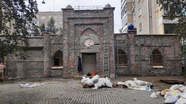 Супермаркет с куполом: стало известно, какой магазин откроется вместо легендарного ресторана «Халиф»