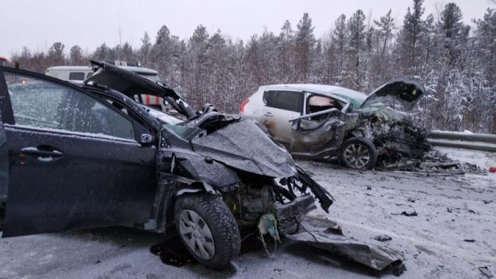 Екатеринбургские врачи будут спасать югорчан, пострадавших в лобовом ДТП под Ивделем
