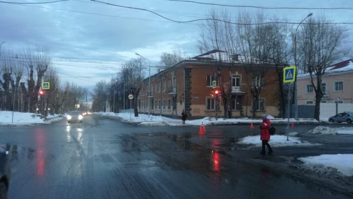 На Уралмаше 22-летний водитель Lada Priora сбил девочку-подростка