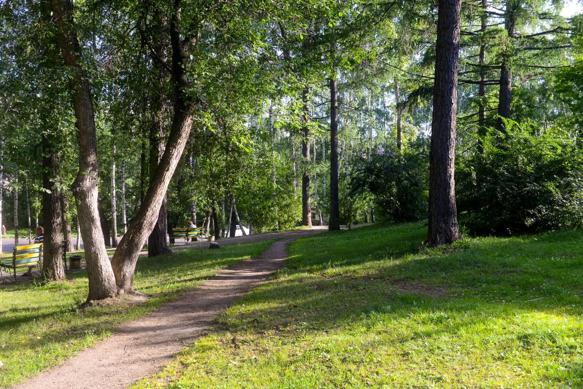 Обилие парков в микрорайоне обеспечивает прохладу и свежий воздух