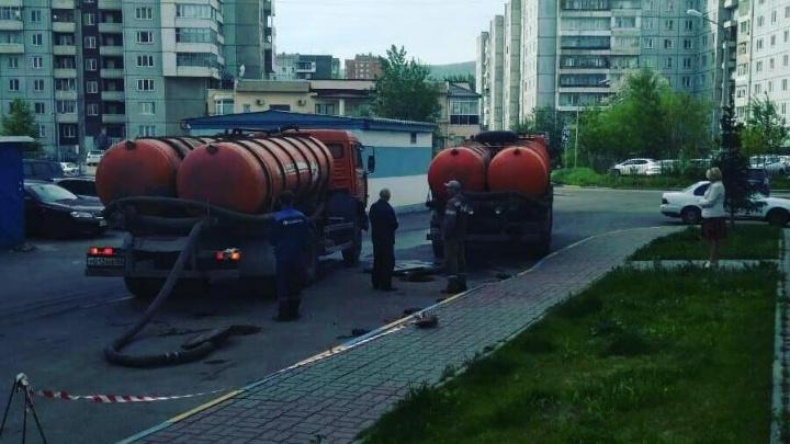 Жителям «Белых рос» начали давать холодную воду