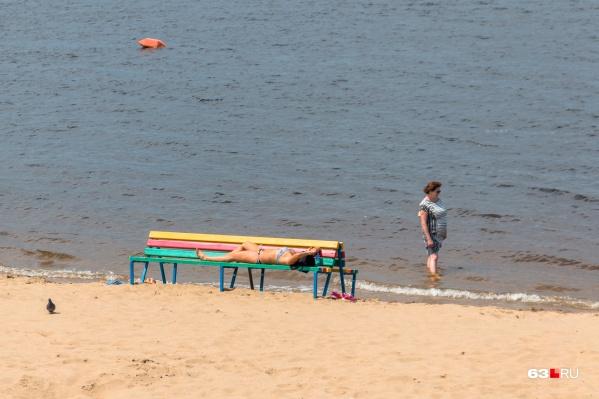 Сейчас на пляжах не много народа