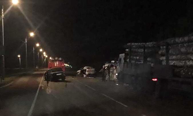 В ГИБДД рассказали подробности лобовой аварии на трассе под Новосибирском