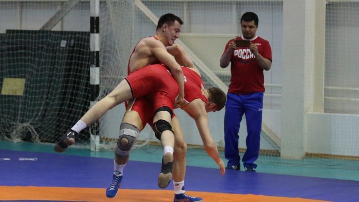 Дальше только Олимпиада: борец Роман Власов показал, как готовится к чемпионату Европы