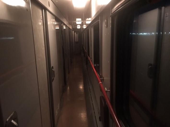 Пассажиры ждут устранения поломки