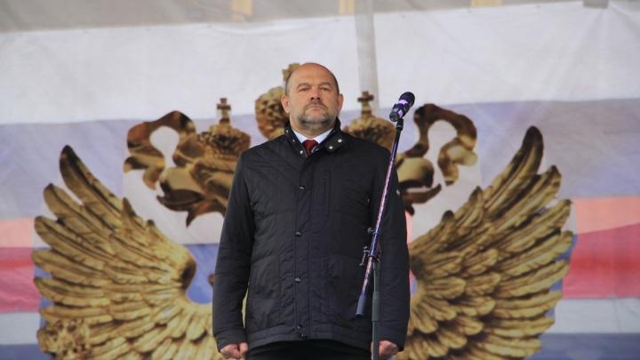 Немного поднялся, но все равно в хвосте: в рейтинге губернаторов Игорь Орлов снова среди замыкающих