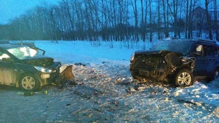 В аварии с Hyundai Solaris и Nissan X-Trail под Уфой погибла женщина