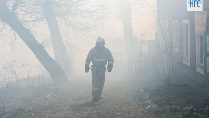 На Калинина после взрыва выгорел частный дом