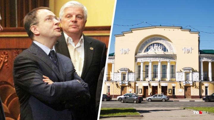 «Ситуация носит критический характер»: министр культуры отреагировал на конфликт в театре Волкова