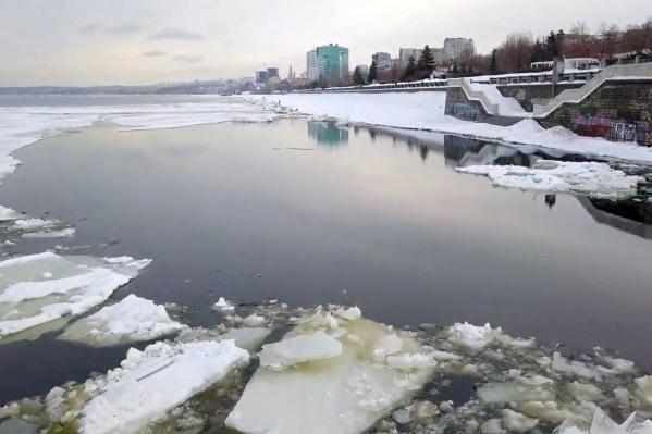 Судя по всему, в эту зиму Волга уже не замерзнет