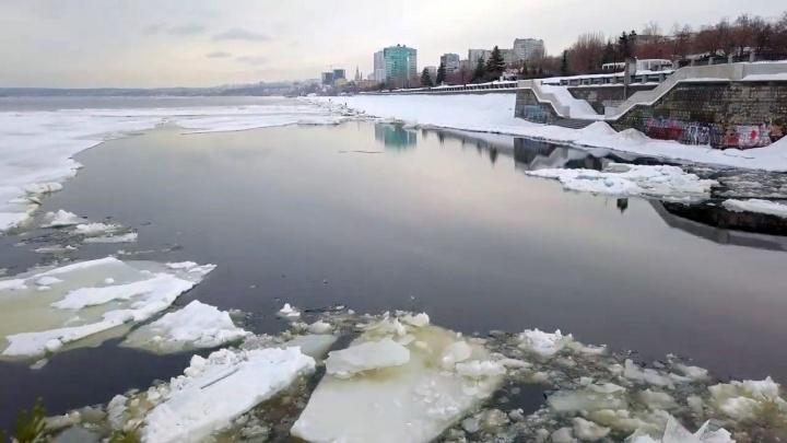 «Климатическая смена эпохи»: публикуем видео зимнего половодья на Волге с коптера