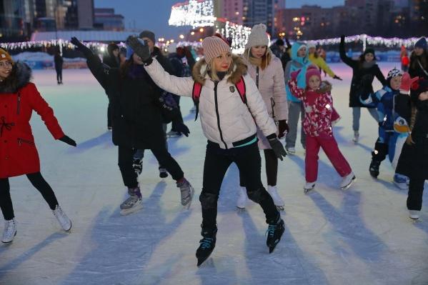 Три часа в распоряжении гостей был подготовленный лед катка«Исеть Парк»