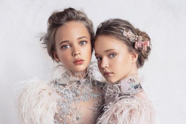 Алиса Самсонова (слева)— одна из самых популярных красноярских моделей во всем мире