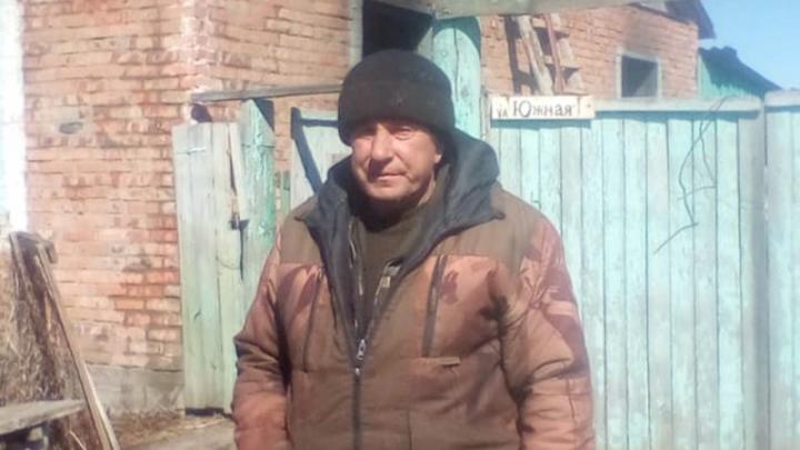 Житель деревни Горькое вытащил из пожара мужчину, на котором уже горела одежда