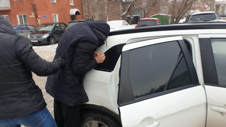 Омских полицейских обвинили в вымогательстве у риелтора 1,5 миллиона рублей